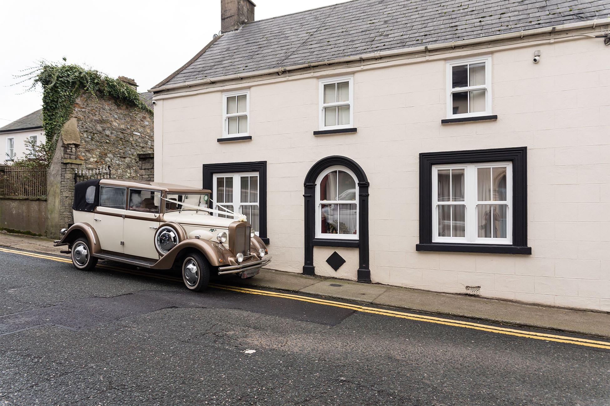 vintage style wedding car