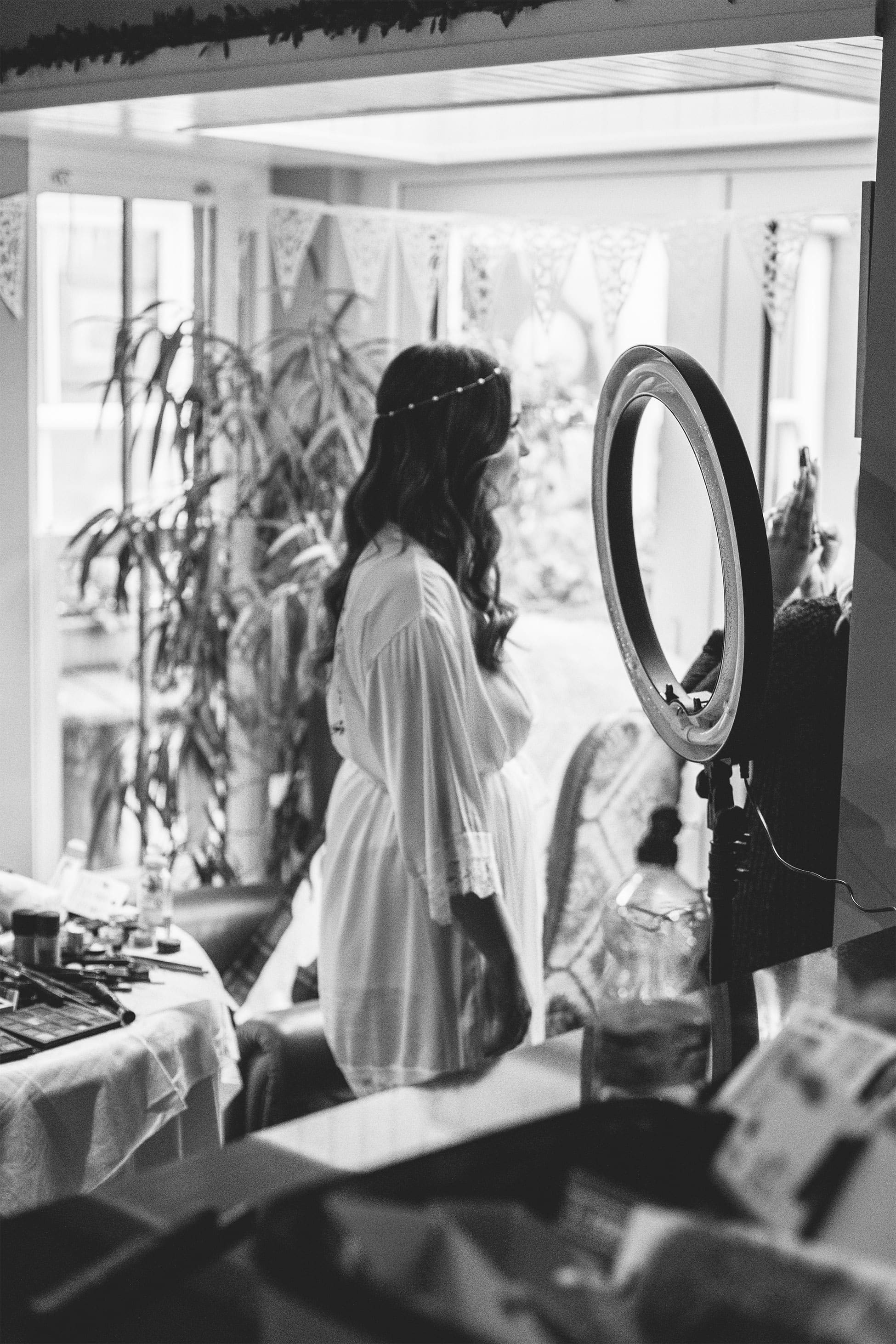 bridal party prep photos