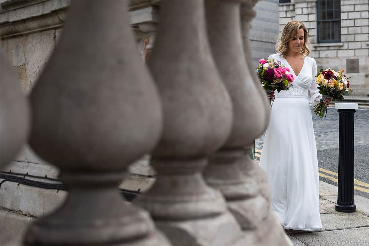 Bride arrives to Dublin City Hall Wedding Ceremony